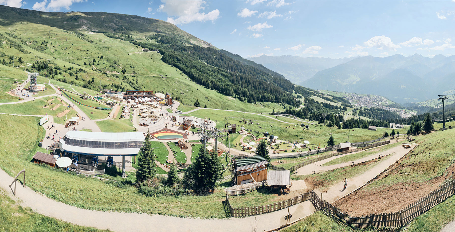 Bergbahnen_Fiss_30-07-2020-Moseralm_Pano_02.jpg