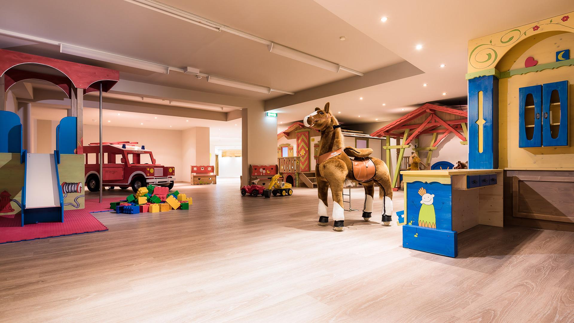 Kinderbetreuung-Familienhotel-Laurentius-(1).jpg